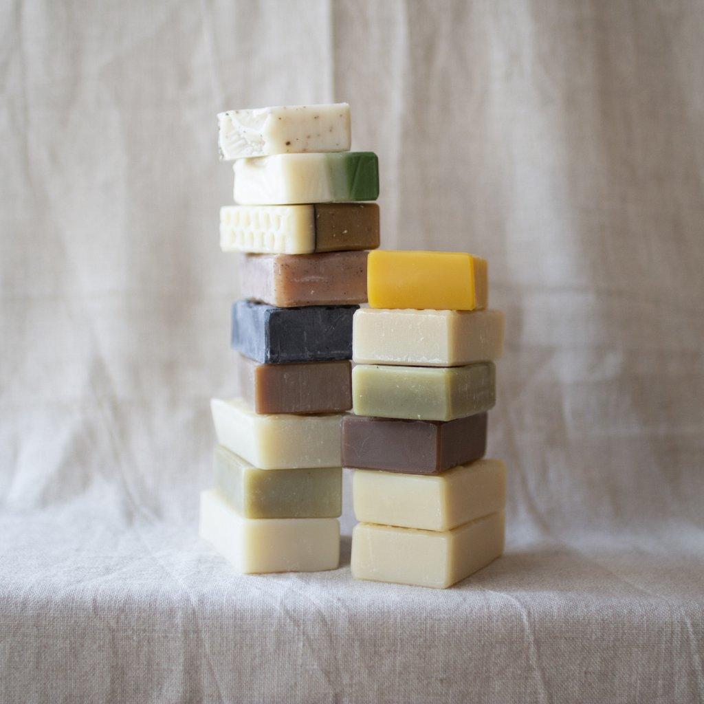 Karité mýdlo s uhlím Naturinka (akné, čistící, 42)