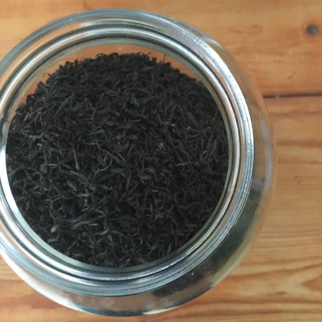 Černý čaj  Avto